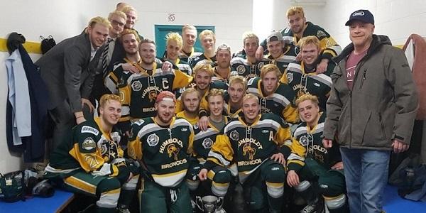 Canada, camion travolge pullman con squadra hockey junior: 14 morti