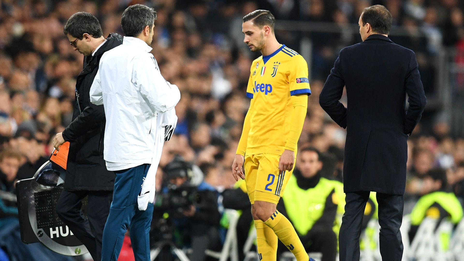 Juventus, infortunio per De Sciglio: sospetta lesione al piede sinistro