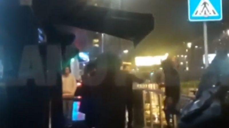 Fabrizio Corona sfiora la rissa fuori da una discoteca