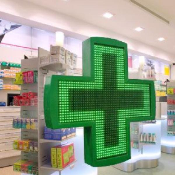 Farmaci, gli italiani ne consumano sempre di più