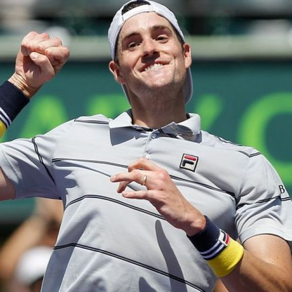 Miami, primo Masters 1000 in carriera per Isner. Battuto Zverev in rimonta