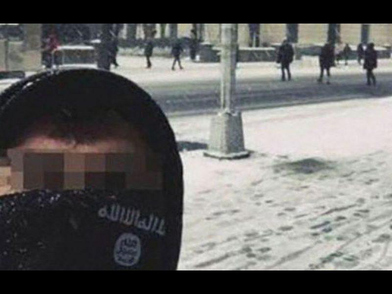L'Isis ritocca il selfie, turista italiano viene rintracciato dall'Fbi e interrogato