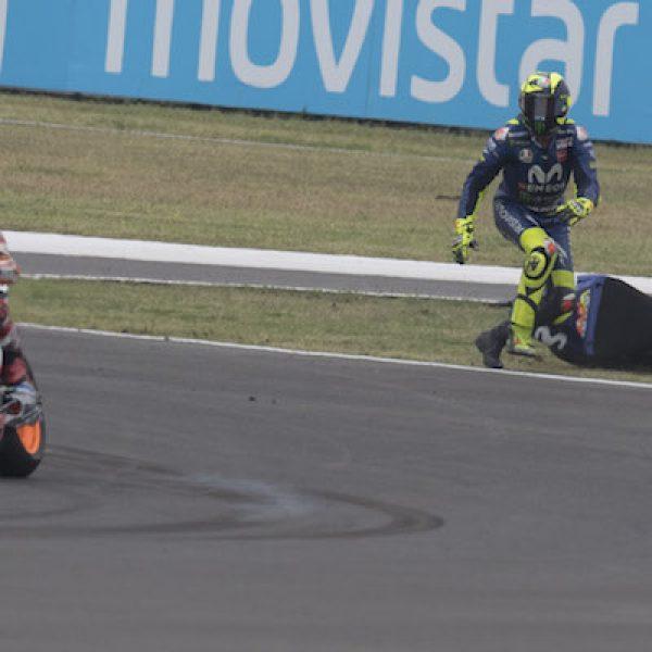 MotoGP, Rossi attacca su Instagram: