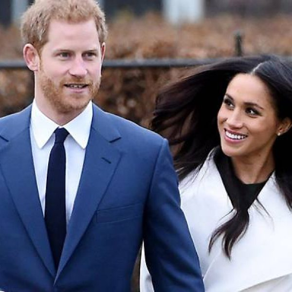 Royal wedding, Meghan all'altare con il padre