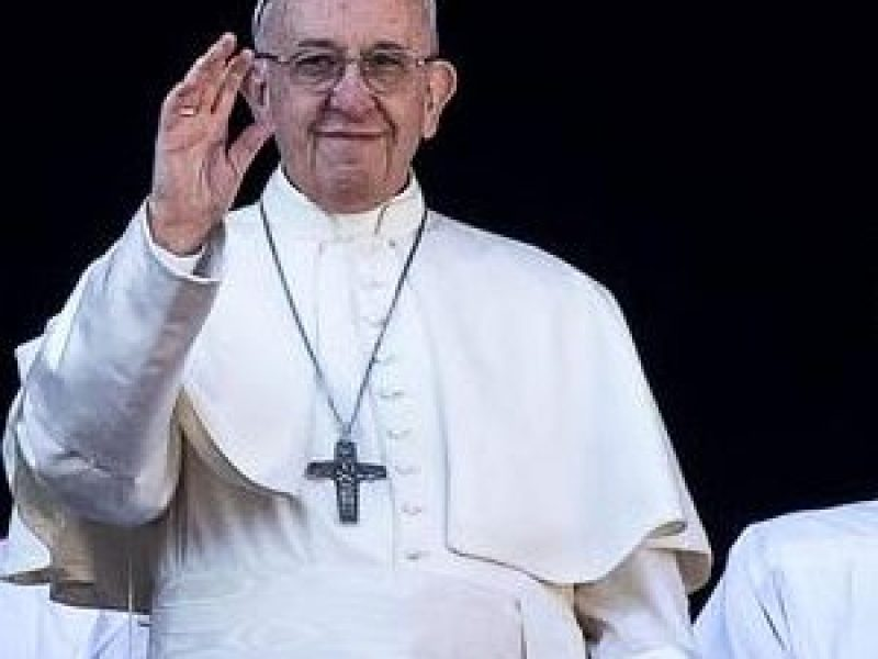 Papa Francesco festeggia l'onomastico inviando 3000 gelati ai senzatetto