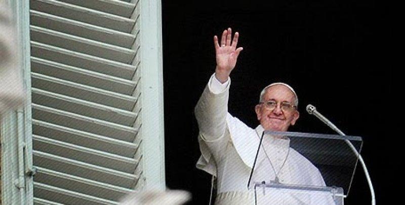 Chiesa e pedofilia, il Papa incontrerà le vittime in Irlanda