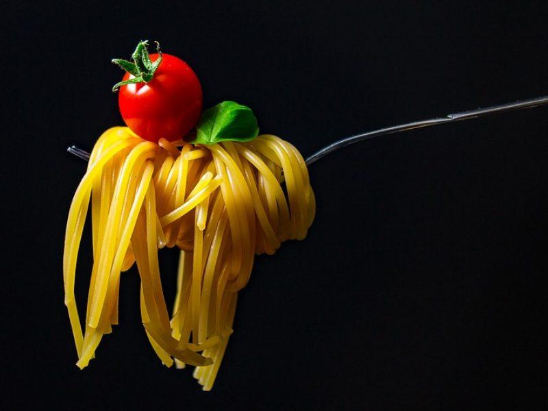 la pasta non fa ingrassare, basso indice glicemico per la pasta, pasta regina dei carboidrati, cibo, dieta sana, ok pasta in alimentazione sana,