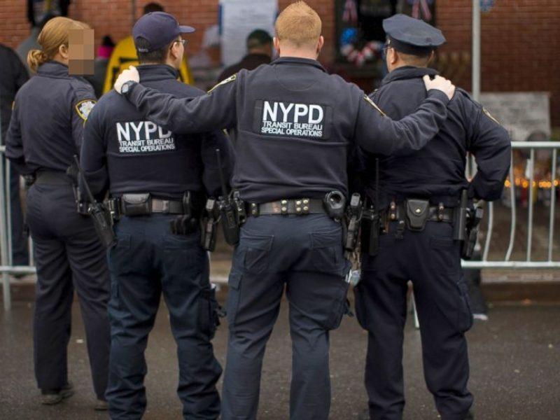 New York, Stati Uniti, Usa, Brooklyn, polizia di new york uccide nero disarmato, afroamericano disarmato ucciso da polizia a brooklyn, non era una pistola ma un tubo di metallo, ucciso da polizia nero disarmato a New york