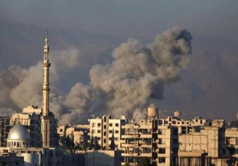 """Siria, Trump prende tempo. Macron: """"Abbiamo prove di attacco chimico"""""""
