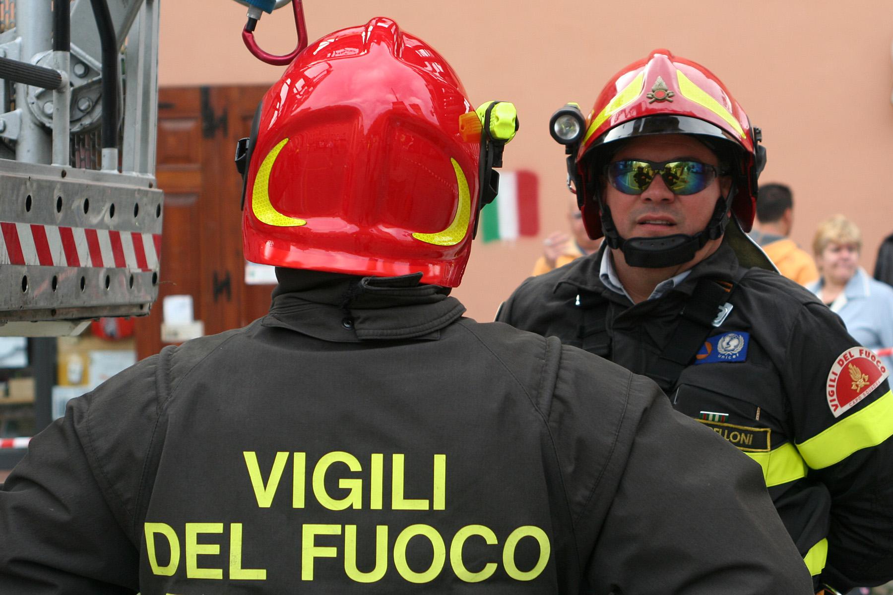 Incendio in un appartamento di Pistoia, muore un 82enne
