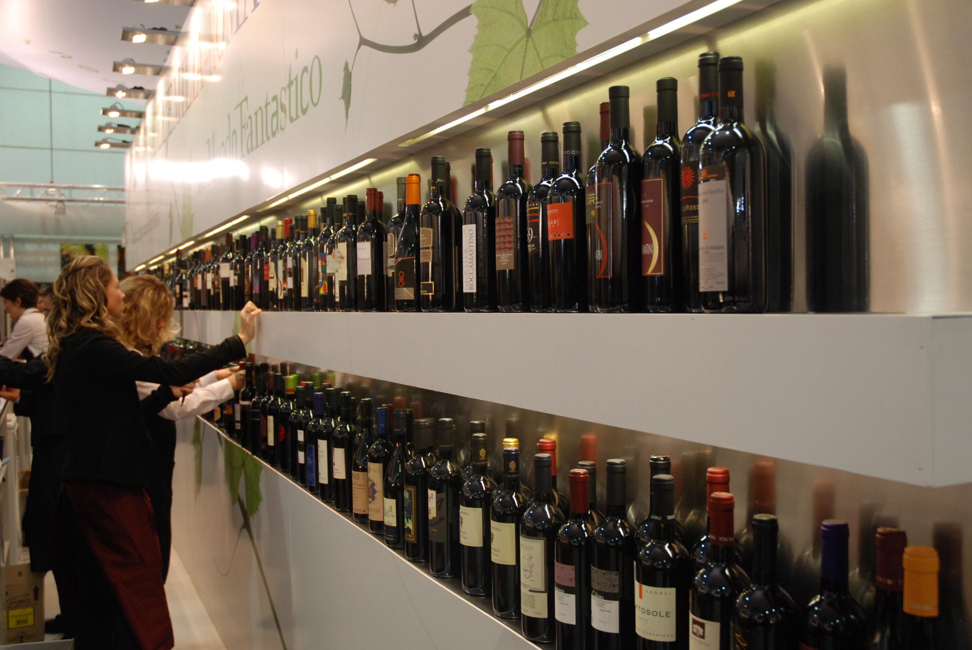Vinitaly, Coldiretti: nel vino presenti acqua frutta e polvere