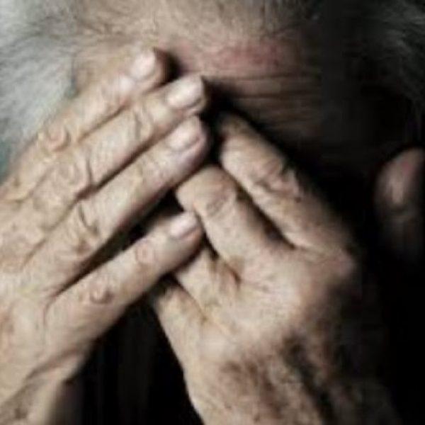 Anziani maltrattati in casa di riposo, 6 dipendenti sospesi