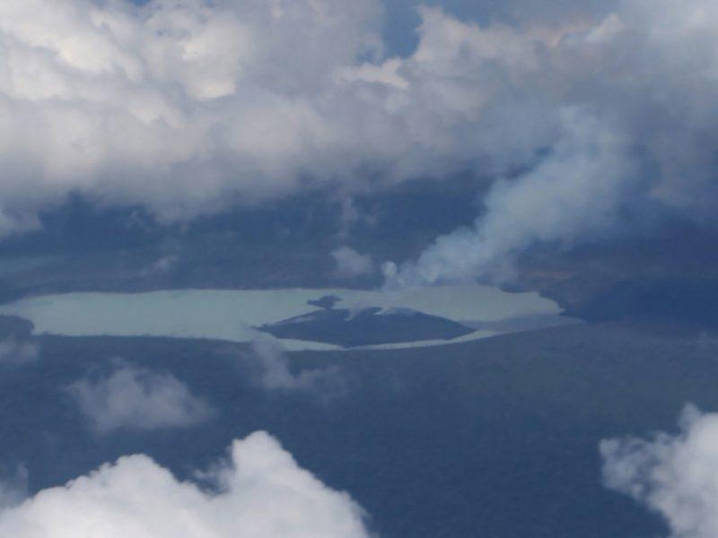 Isola di Ambae, Nuova Zelanda, Vulcano torna ad eruttare in Nuova Zelanda, stato di emergenzia isola di Ambae per vulcano in eruzione, 11 mila persone evacuate ad Ambae per eruzione vulcano, seconda eruzione vulcano isola di Ambae,