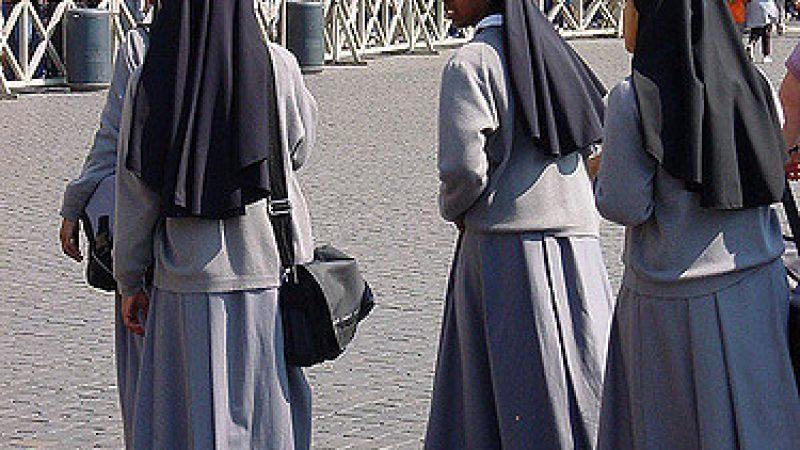Le suore diventano 'social', l'ok arriva dal Vaticano