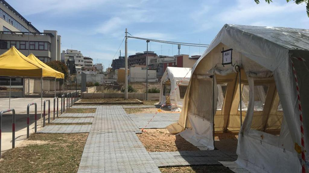 Bari, palazzo di giustizia inagibile: udienze in tendopoli