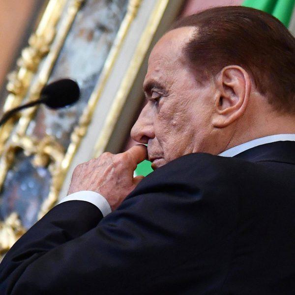 Berlusconi si fa da parte: