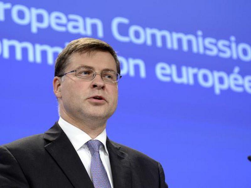 manovra, conte, juncker, Schinas, dombrovskis, commissione europea, dialogo Ue Italia, bilancio, eurogruppo