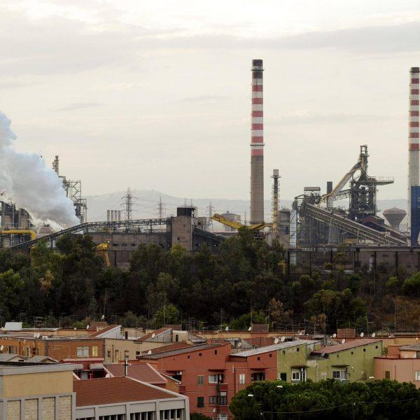 Ilva, i sindacati bocciano la proposta di Calenda
