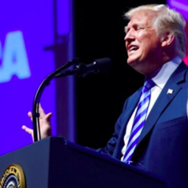 Usa, Trump ordinò un'inchiesta su Comey e H.Clinton