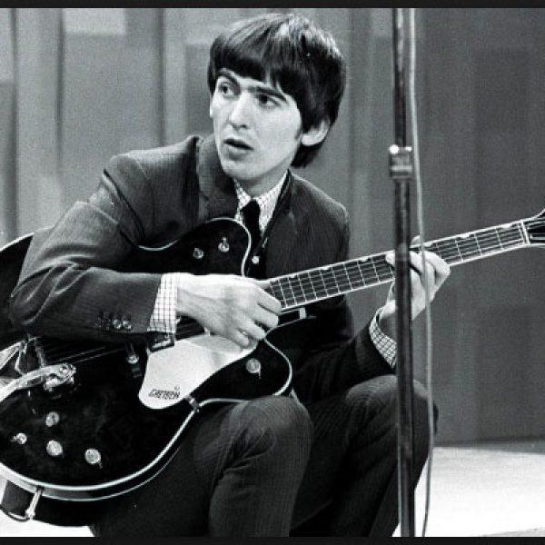 La prima chitarra elettrica di George Harrison dei Beatles all'asta
