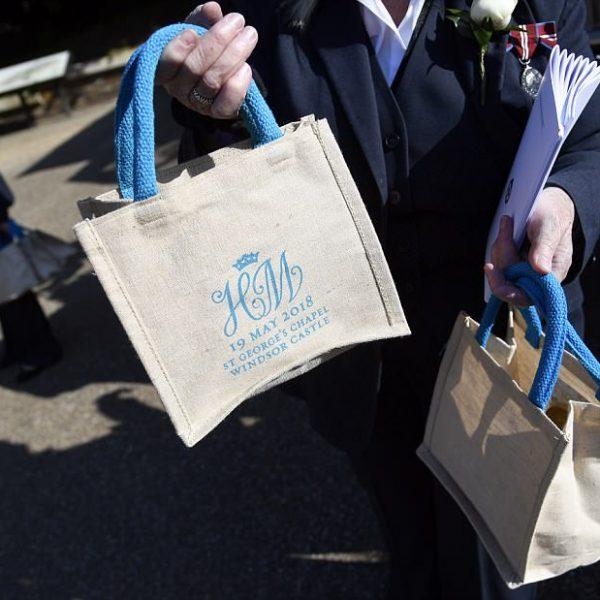 Royal wedding, su ebay le borsette omaggio degli ospiti