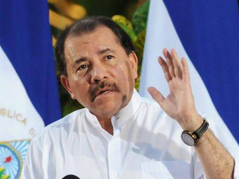 sandinisti contro manifestanti in nicaragua, manifestano contro presidente daniel ortega aggredito da gruppi armati sandinisti, 3 morti e diversi feriti in marcia contro Ortega in nicaragua