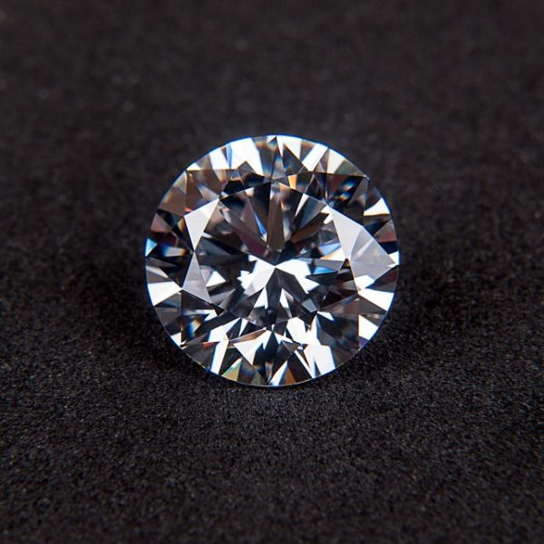 Reggio Emilia, ipotesi di suicidio per imprenditore di diamanti indagato