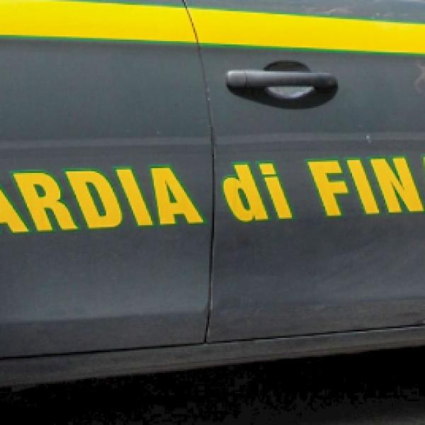 Trento, Gdf sequestra mille prodotti contraffatti