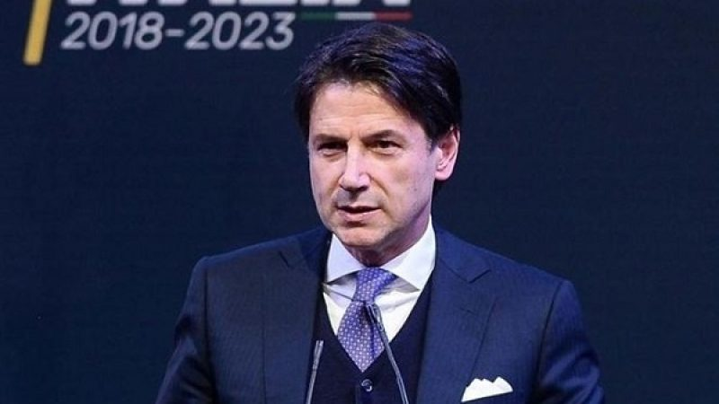 "Premier Conte, stipendio ""light"" da 6.700 euro"
