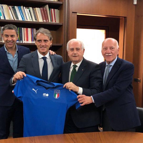 Mancini si presenta: