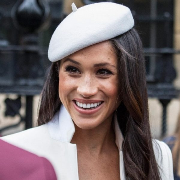 Meghan Markle vola negli USA senza Harry