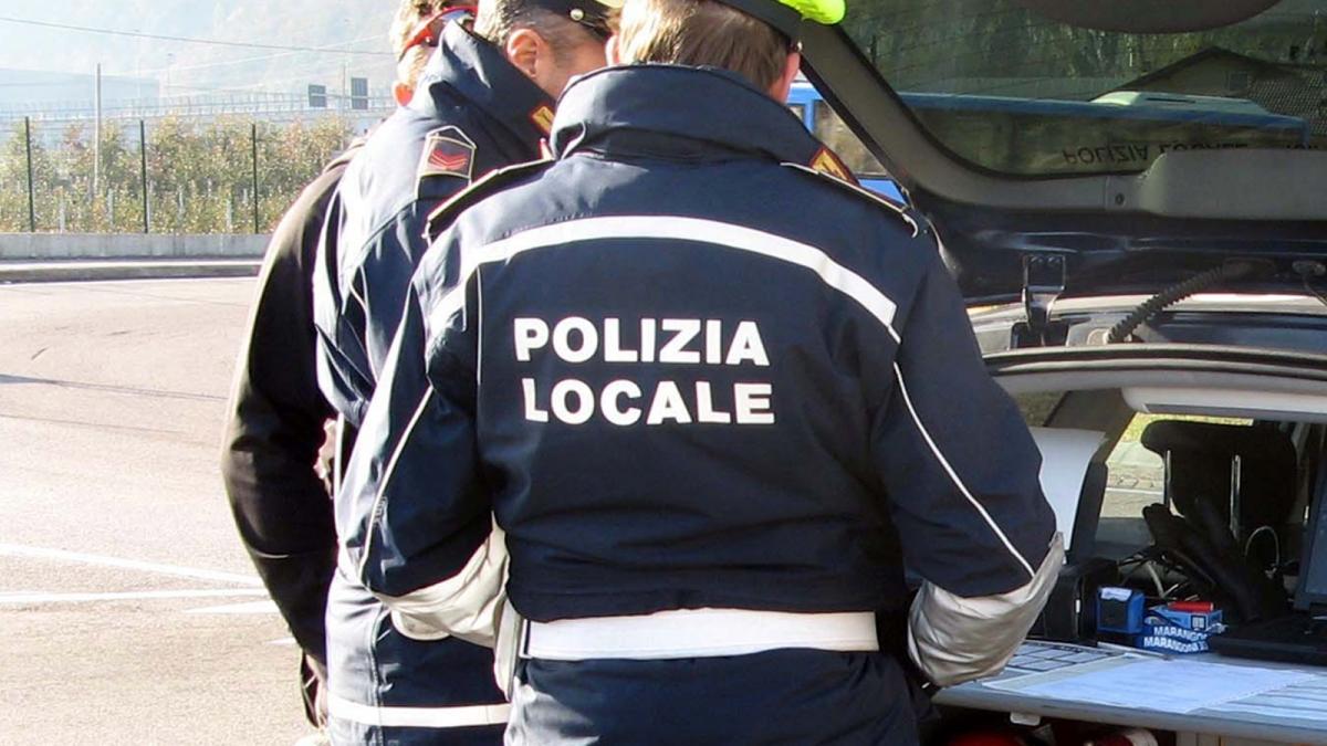 Milano, picchia la compagna per più di un anno: arrestato un pregiudicato