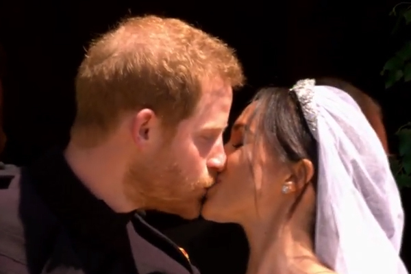 Il principe Harry e Meghan Markle sono marito e moglie