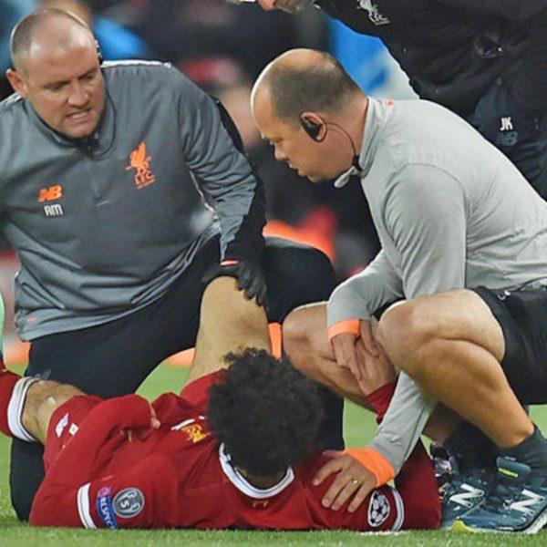 Liverpool, lussazione alla spalla per Salah: salta i Mondiali?
