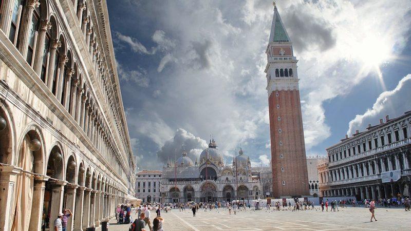 Venezia, stop al 'cibo da passeggio' per 3 anni
