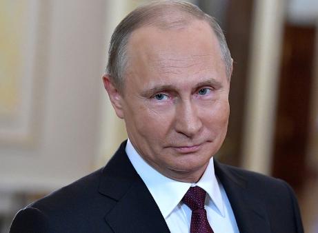 Putin inaugura il ponte tra Crimea e Russia su un camion