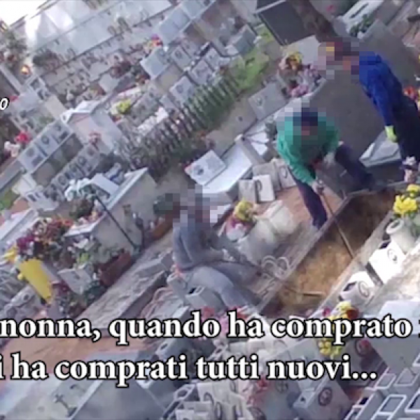 Palermo, violavano le tombe per vendere loculi