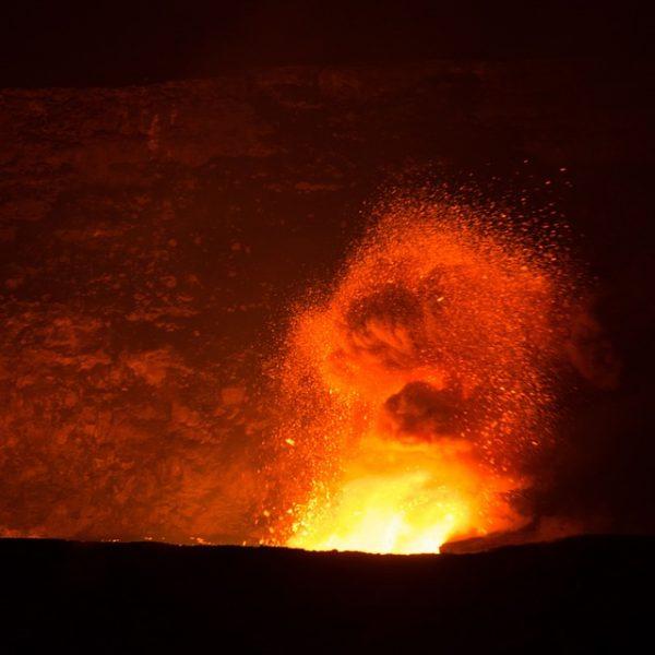 Hawaii, il vulcano Kilauea si è risvegliato