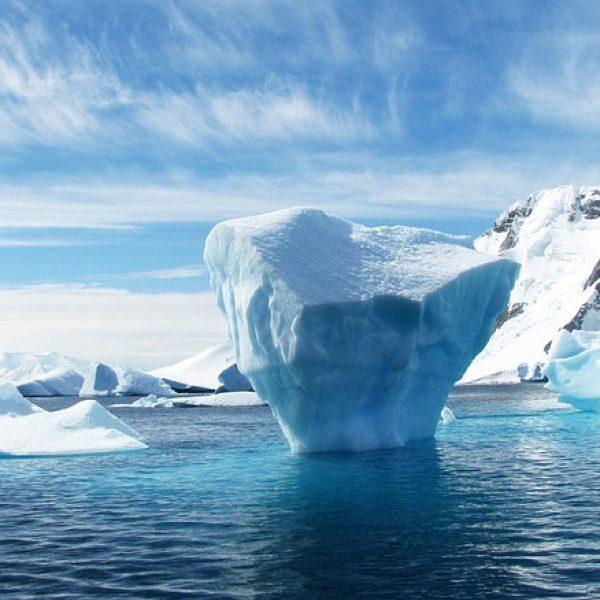 Antartide, in 25 anni persi 3.000 miliardi di tonnellate di ghiaccio