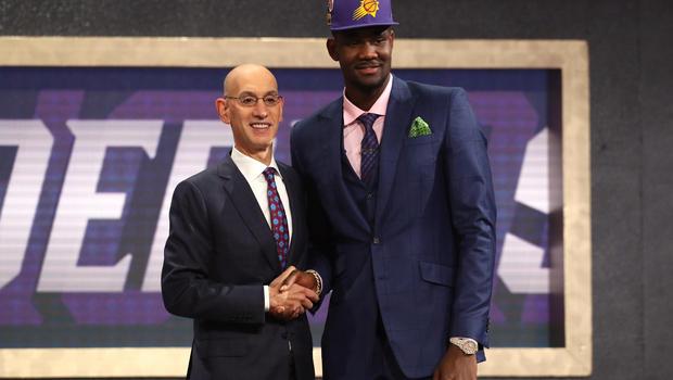 Draft NBA, la prima scelta è DeAndre Ayton. Dallas pesca Doncic