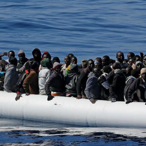 Migranti, nave militare americana ne salva 41 al largo della Libia
