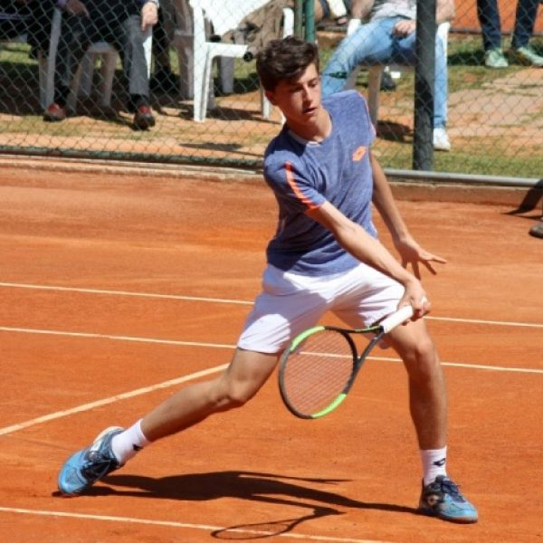 Tennis, primo punto ATP per il pesarese Luca Nardi: ha solo 14 anni