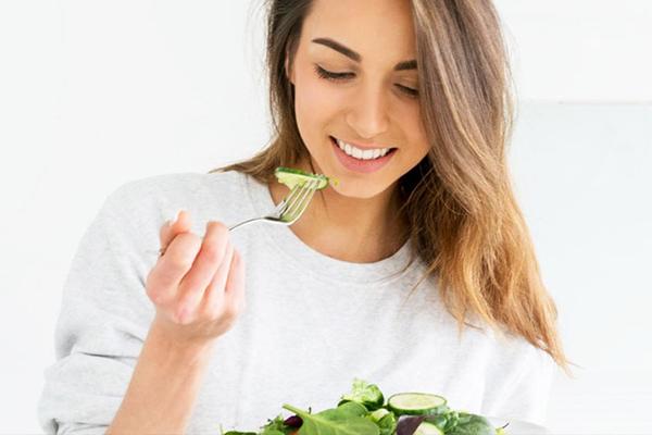 Dimagrire mangiando, attiva il tuo metabolismo e perdi peso con facilità