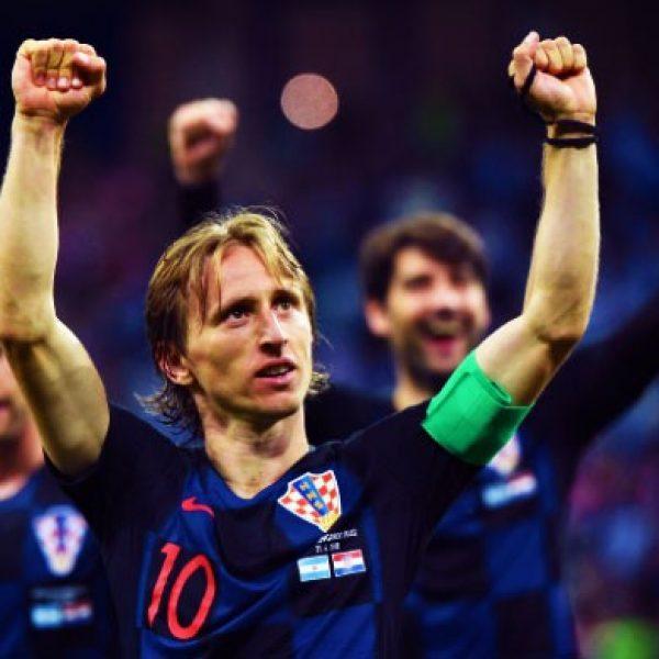 Inter, Modric più lontano. Il Real lo convoca per la Supercoppa