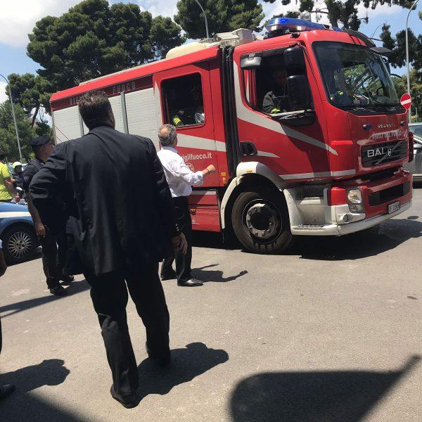 Ascensore in fiamme alla presidenza della Regione, panico a Palermo