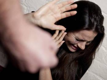 Condannato per maltrattamenti minaccia la moglie: arrestato