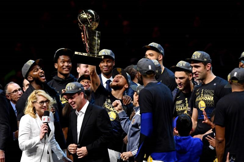 NBA, dominio Warriors in gara-4: Golden State è ancora campione