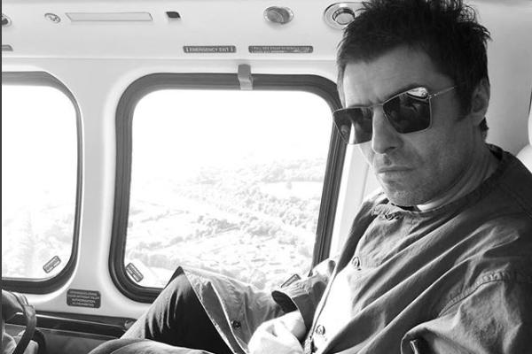 """Liam Gallagher: """"Mio fratelli mi implora di riformare gli Oasis"""""""
