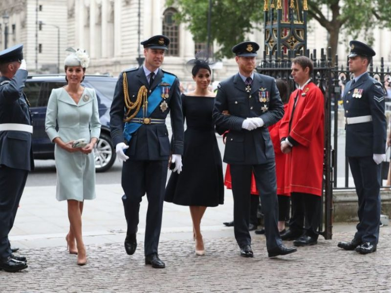 i look di kate e meghan per le celebrazioni RAF