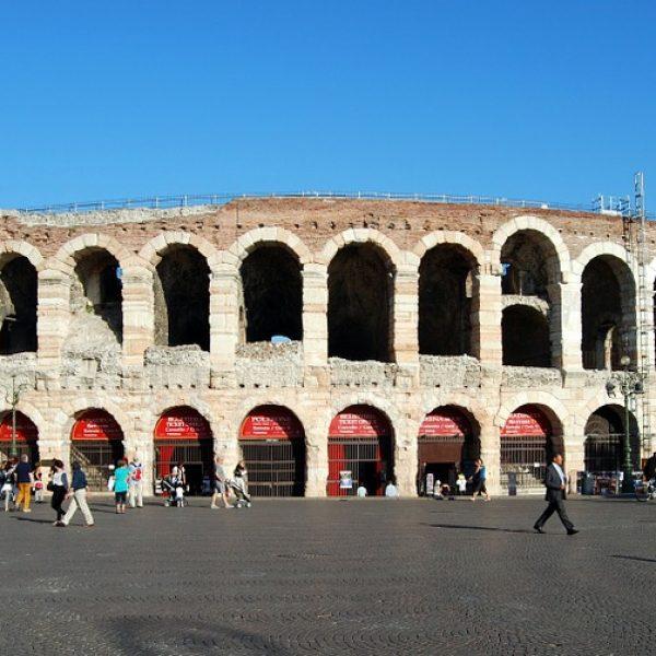 Arena di Verona, bocciato progetto per un tetto
